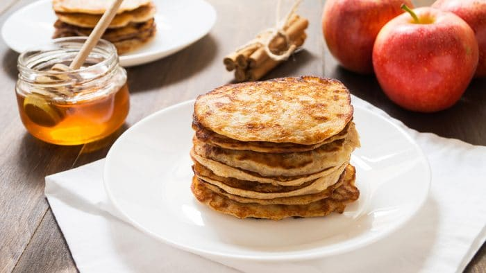 Apple cinnamon grain-free pancakes